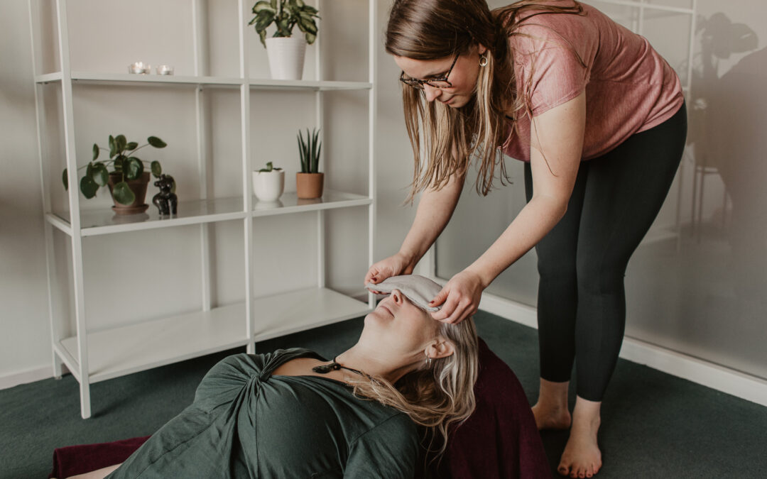 Yogatherapie in de praktijk: mini ontspanningsoefening