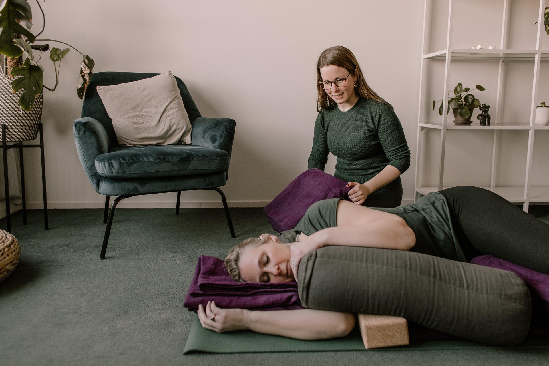 yoga menstruatie
